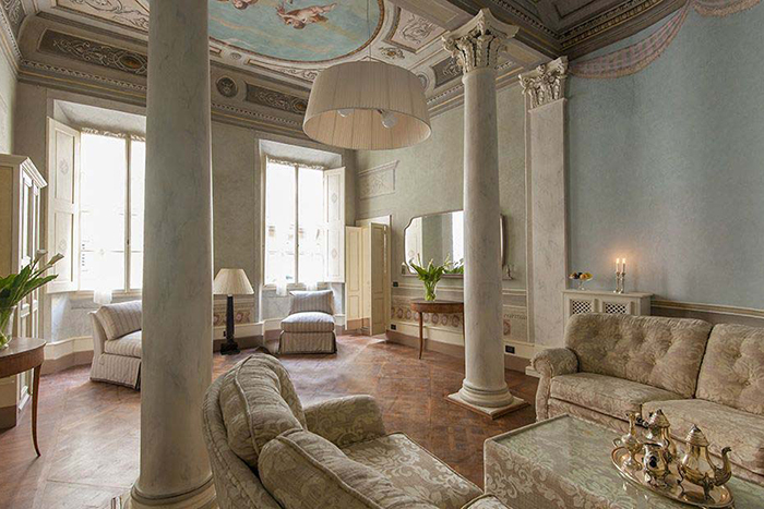 Apartment brunelleschi luxury aprtment in the centre of for Interior design jobs in florence italy