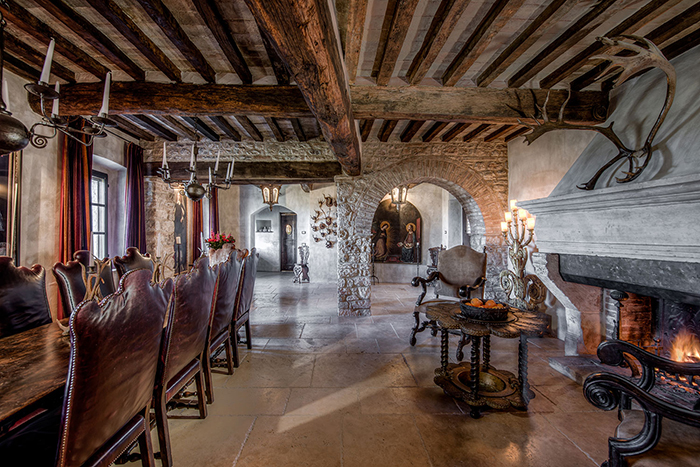 Castello Merlo 12th C Luxury Castle On The Tuscan Umbrian
