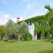 villa laguna tuscany