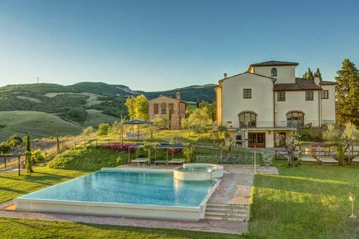 Villa Poggio Montaione Sleeps 15