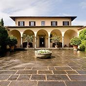 villa raffaello tuscany