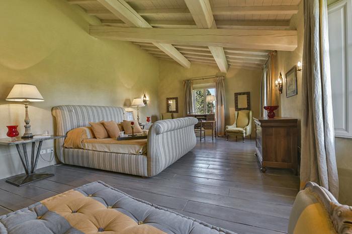 Villa Rocca Stylish Villa Near Tuscan Coast Sleeps 18