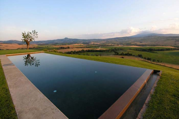 villas with heated pools tuscany