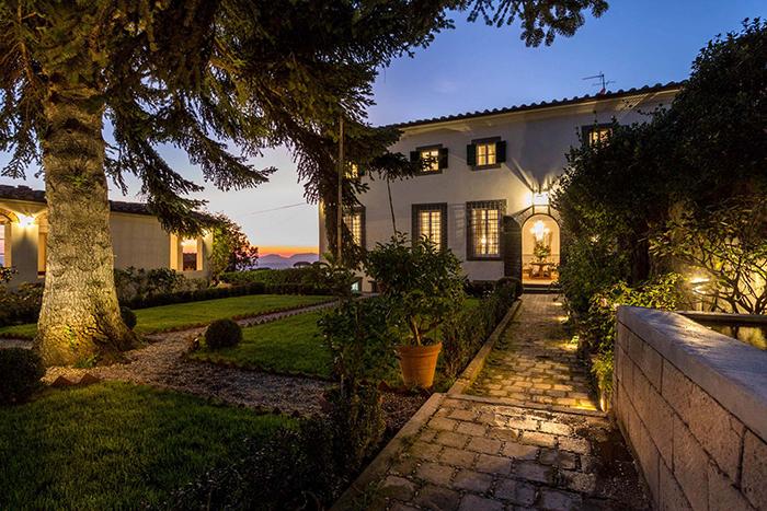 Villa Valentina A Luxury Villa Near Lucca Sleeps 24