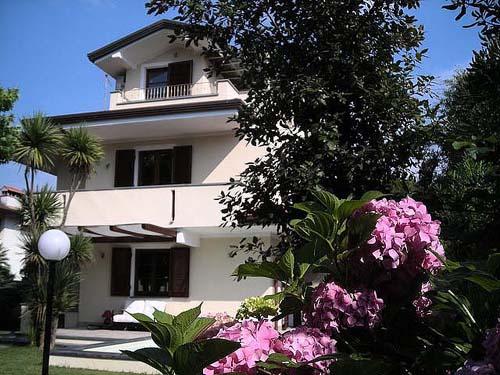 villa bionda tuscany
