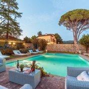 villa maura tuscany